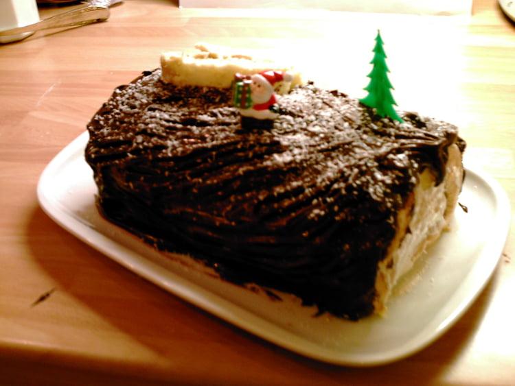 Bûche de Noël au café et ganache au chocolat.jpg