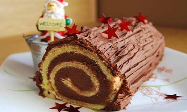 Meilleur Bûche de Noël roulée traditionnelle au chocolat.png