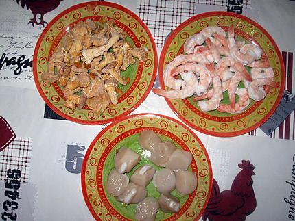 Comment préparer les Cassolettes aux crevettes, girolles et Saint-Jacques etape 1