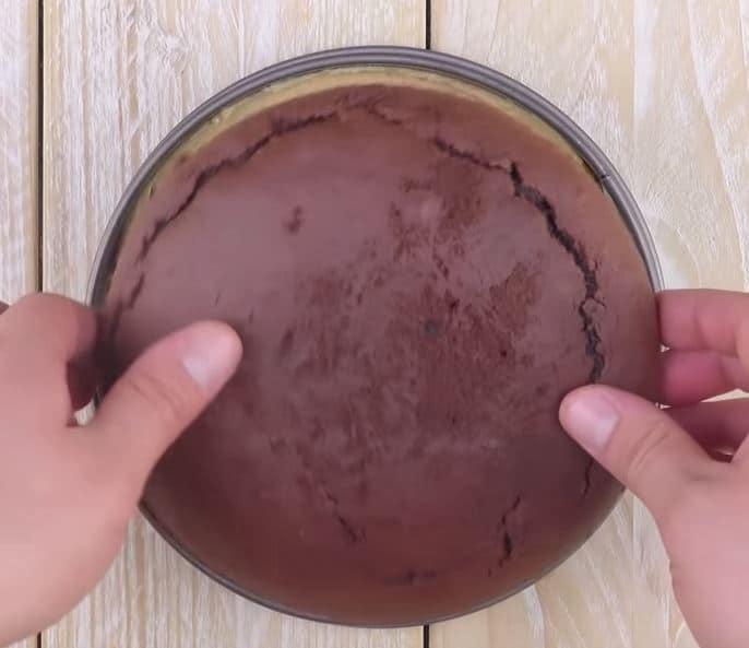 Comment préparer le Gâteau aux Snickers etape 5